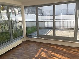 helle etagenwohnung mit wintergarten dachterrasse in der rostocker city vermittelt. Black Bedroom Furniture Sets. Home Design Ideas